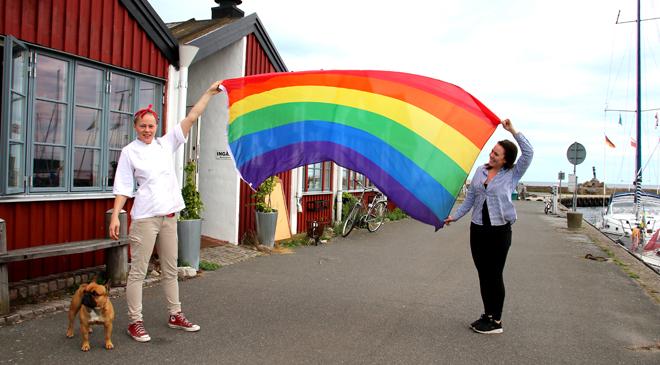 Hamnkrogen flaggar för pride